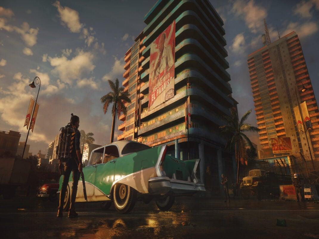 """""""Far Cry 6"""" Donna in piedi davanti a un grattacielo"""