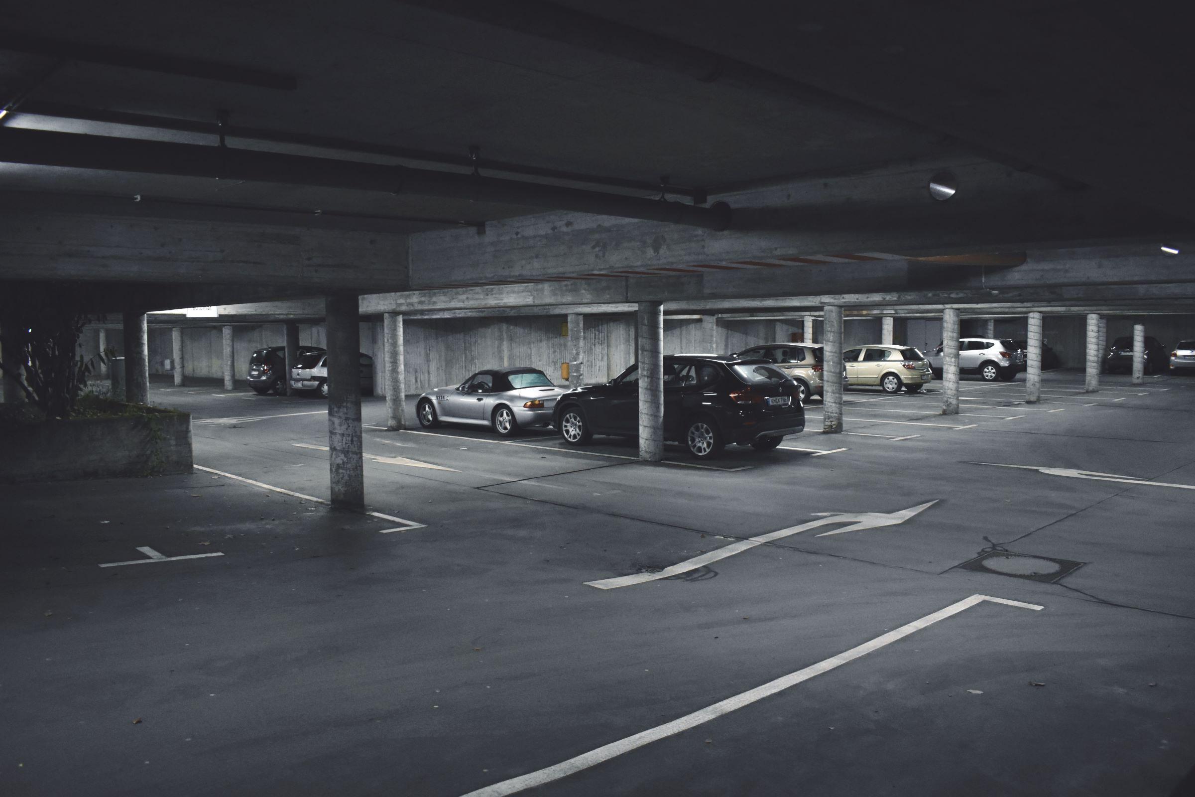 Brandgefahr beim E-Auto: Parkverbot in Tiefgaragen - inside digital