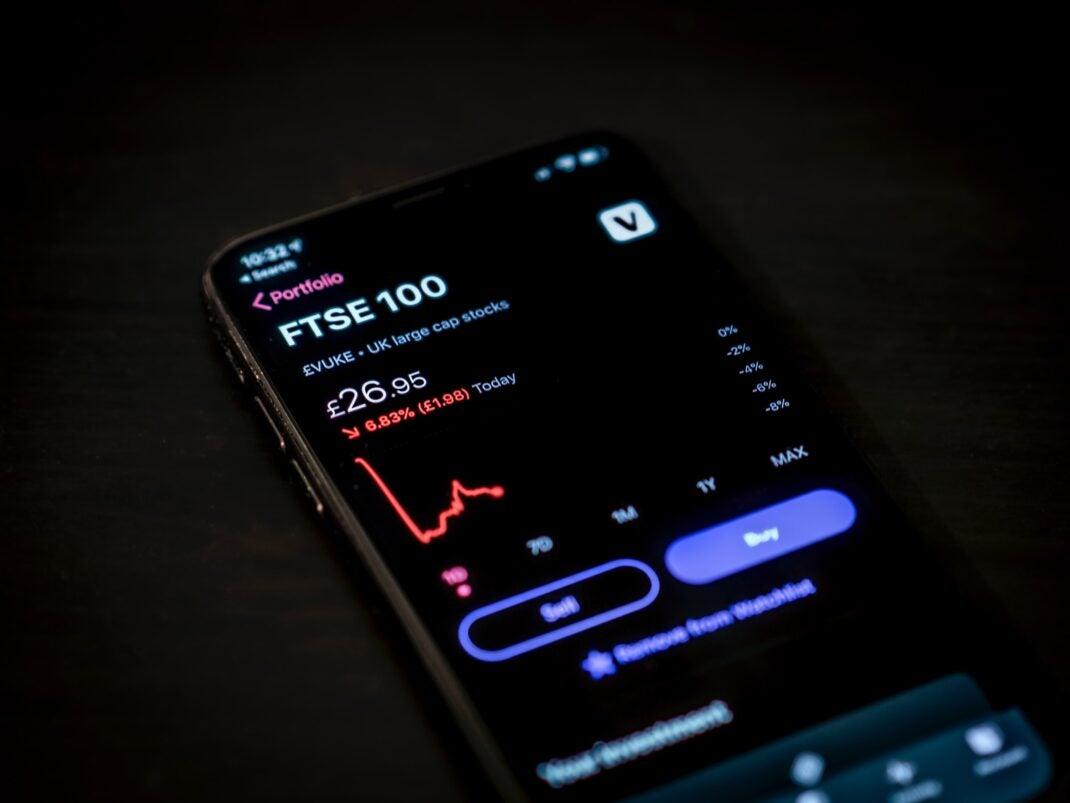 So kommt man auch zu Geld: Mit Aktien handeln auf dem Smartphone