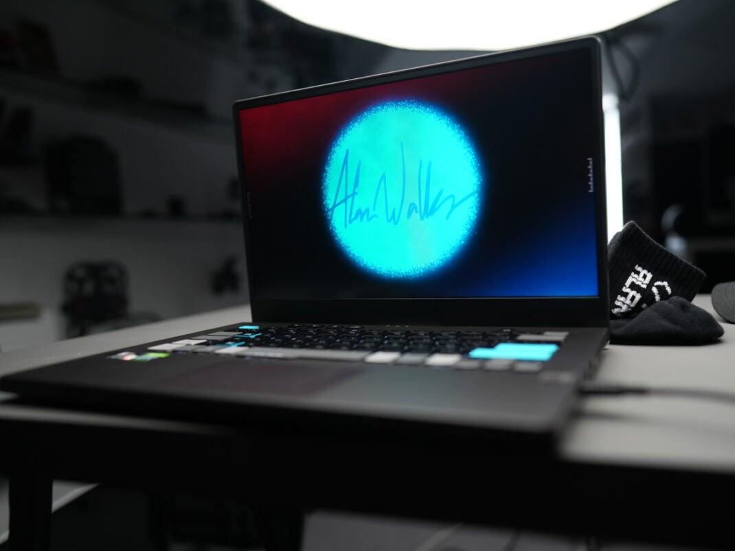 Der neue Laptop von Alan Walker