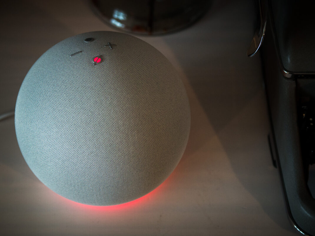 Amazon Echo 4. Generation 2020 mit Alexa