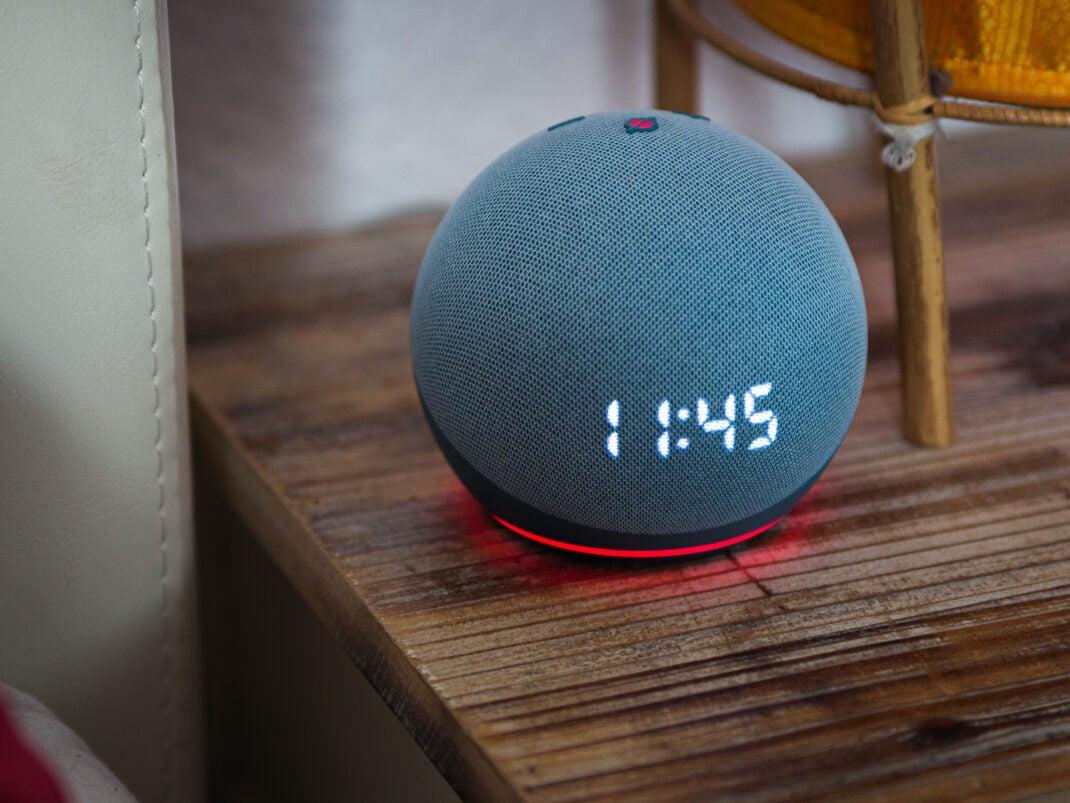 Per Tastendruck hört der Amazon Echo Dot 4 nicht mehr zu