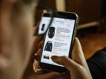 Auf Amazon mit dem Handy einkaufen.
