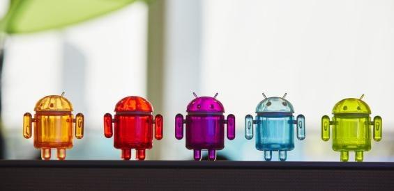 Android-Männchen in einer Reihe