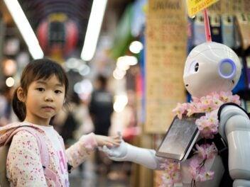Kind und Roboter
