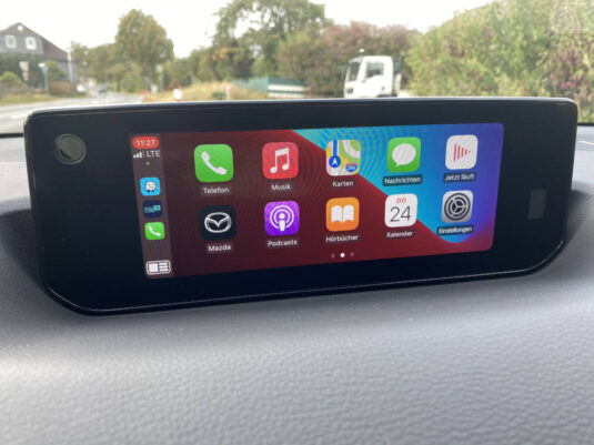 Apple CarPlay Mazda MX-30