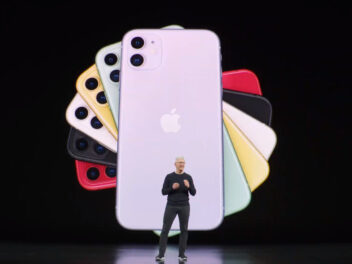 Apple iPhone auf Leinwand beim Apple Special Event