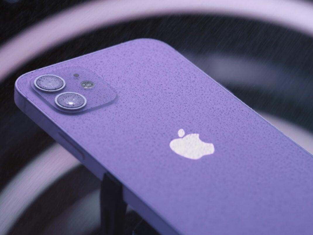 iPhone 12 in Violett