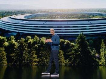 Apple-CEO Tim Cook auf der Bühne des Steve Jobs Theater im September 2021
