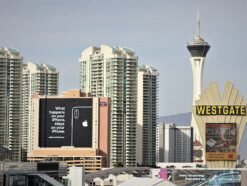 """Apple-Werbung in Las Vegas: """"What happens on your iPhone, stays on your iPhone."""""""