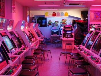 Einige Old-School Arcade Maschinen.