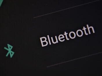 Bluetooth-Icon auf dem Handy-Display
