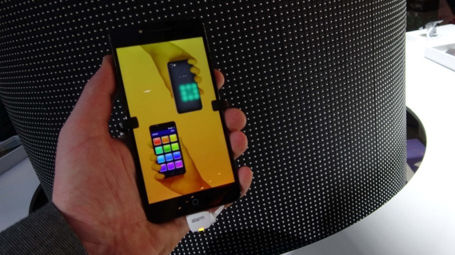 Alcatel A5 LED: Hands-On