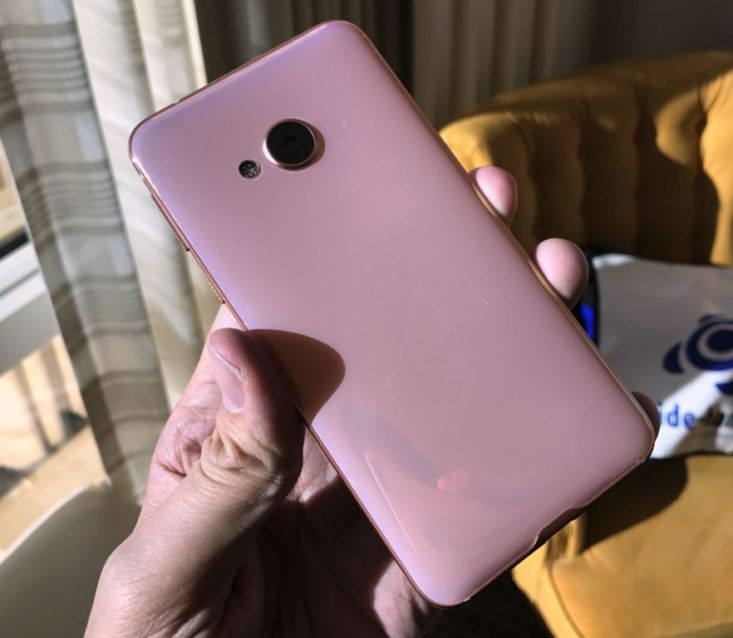 HTC U Play in Rosa