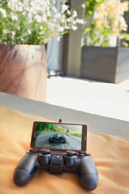 Sony Xperia Z3 Compact  + Gamecontroler