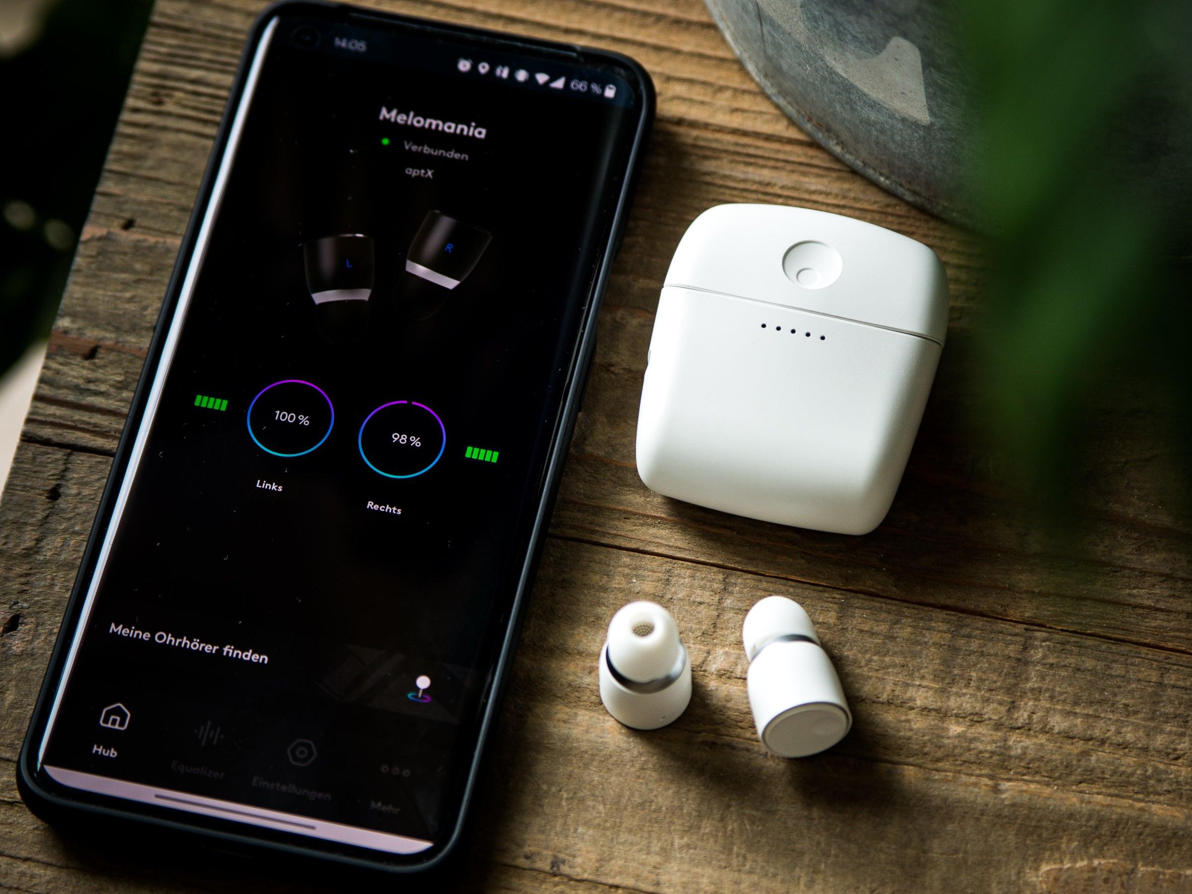 Die Kopfhörer lassen sich mit der dazugehörigen Melomania-App suchen und aktualisieren.