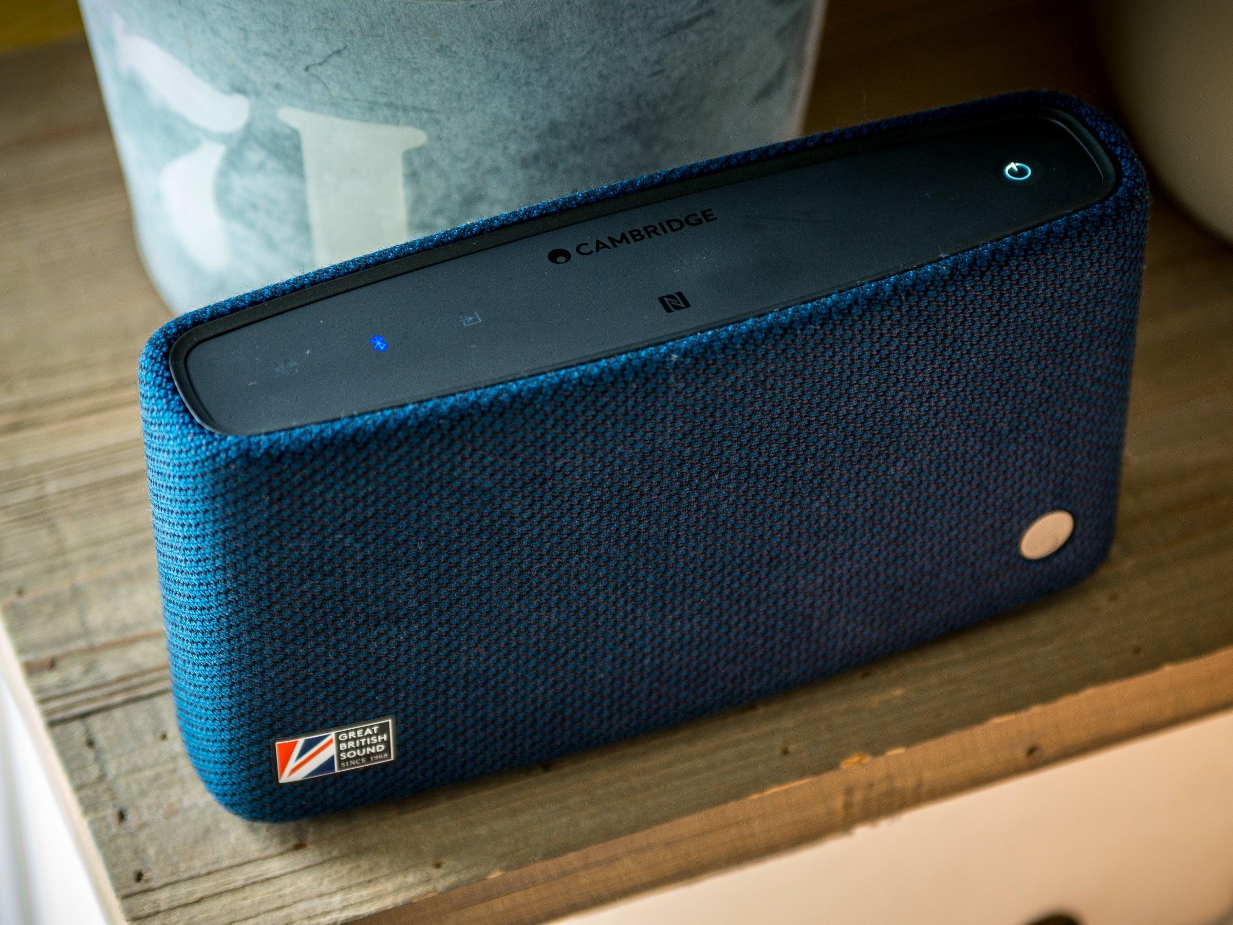 Cambridge-Audio-Yoyo-S-im-Test-Dieser-Bluetooth-Lautsprecher-hat-Stil-Charme-und-einen-guten-Klang