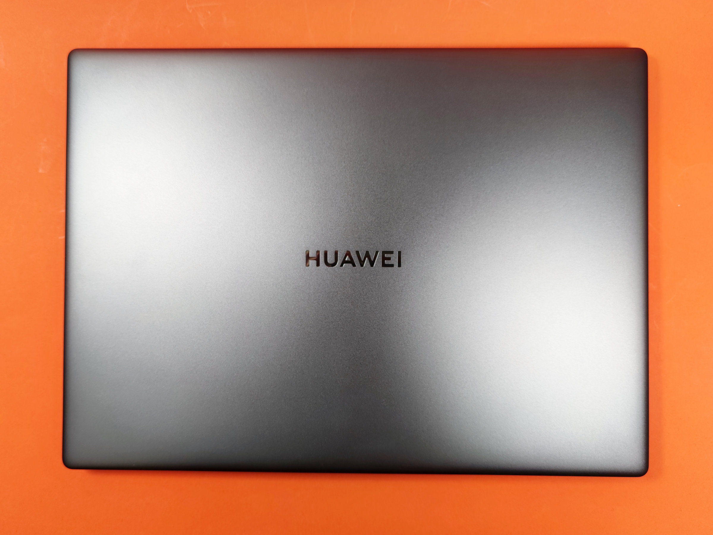 Deckel des Huawei Matebook 14