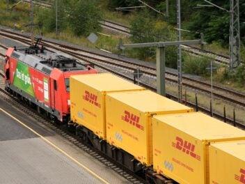 DHL Pakete fahren jetzt mit der Bahn