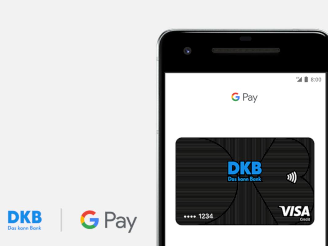 DKP- und Google-Logo und ein Smartphone mit einer Kreditkarte im Bildschirm