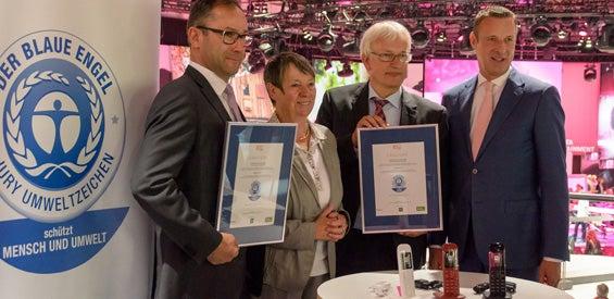Telekom erhält Urkunde über die bestandene Zertifizierung von Festnetztelefonen nach den Standards den