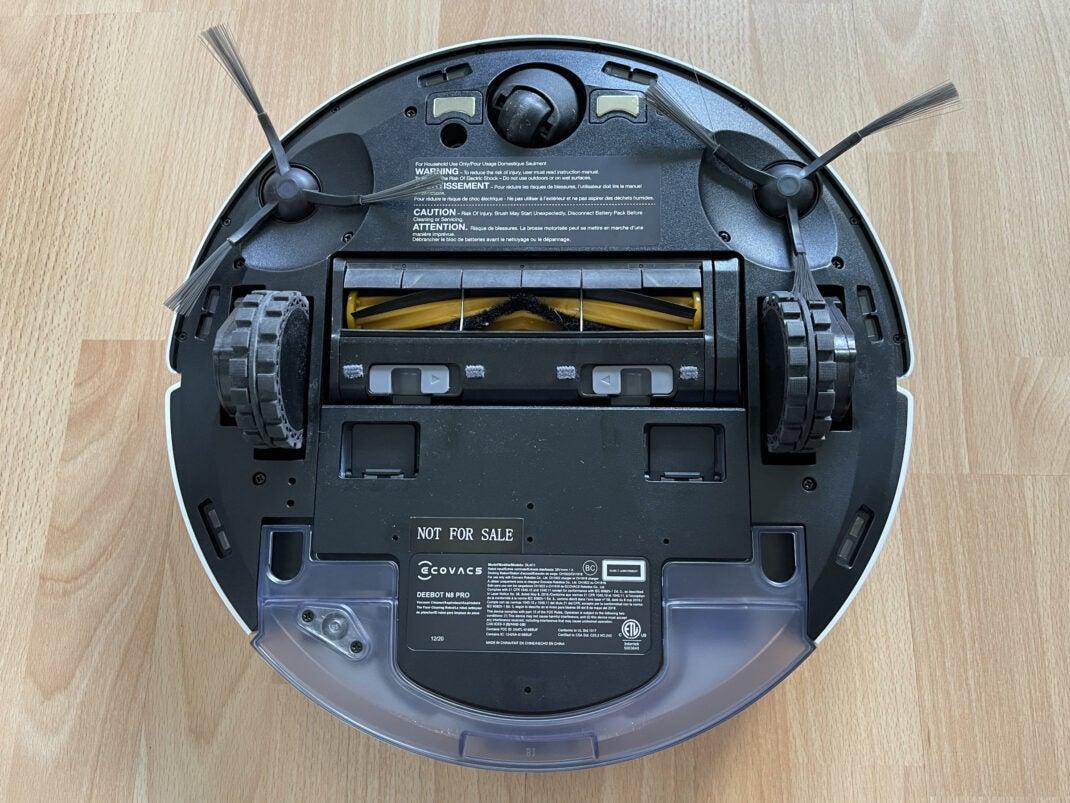 Der Ecovacs Deebot N8 von unten