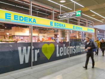 Edeka Geschäft am Flughafen