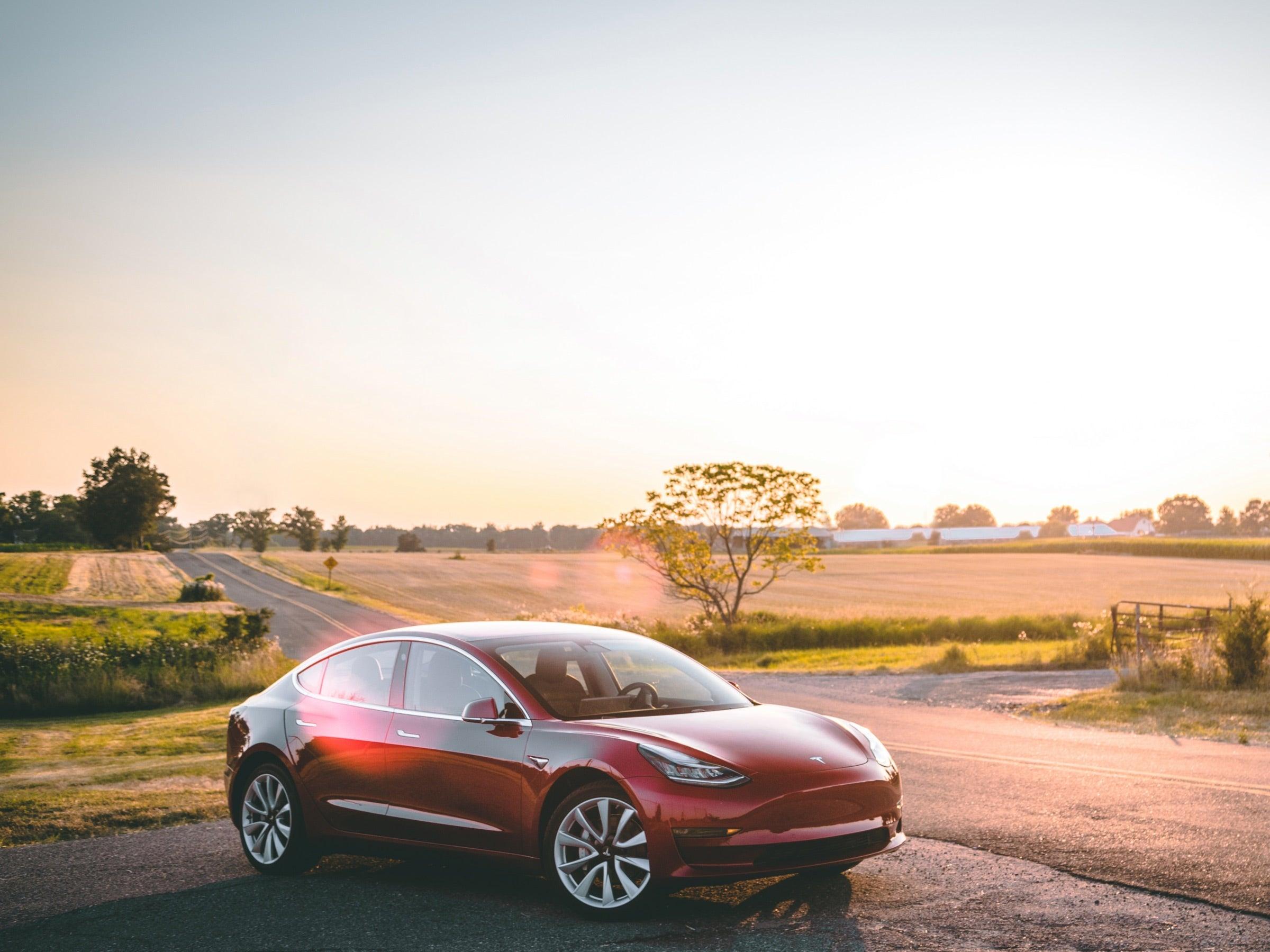 elektroauto laden titelbild
