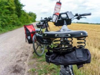 Fahrrad fahren Symbolbild