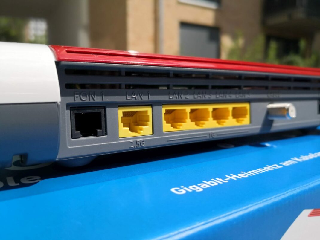 Die Anschlüsse der Fritzbox 6660 Cable