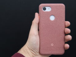 Google Pixel 3 XL Hands-On, Rückansicht in Hülle.