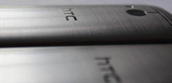 HTC One mini 2 und HTC One M8 nebeneinander