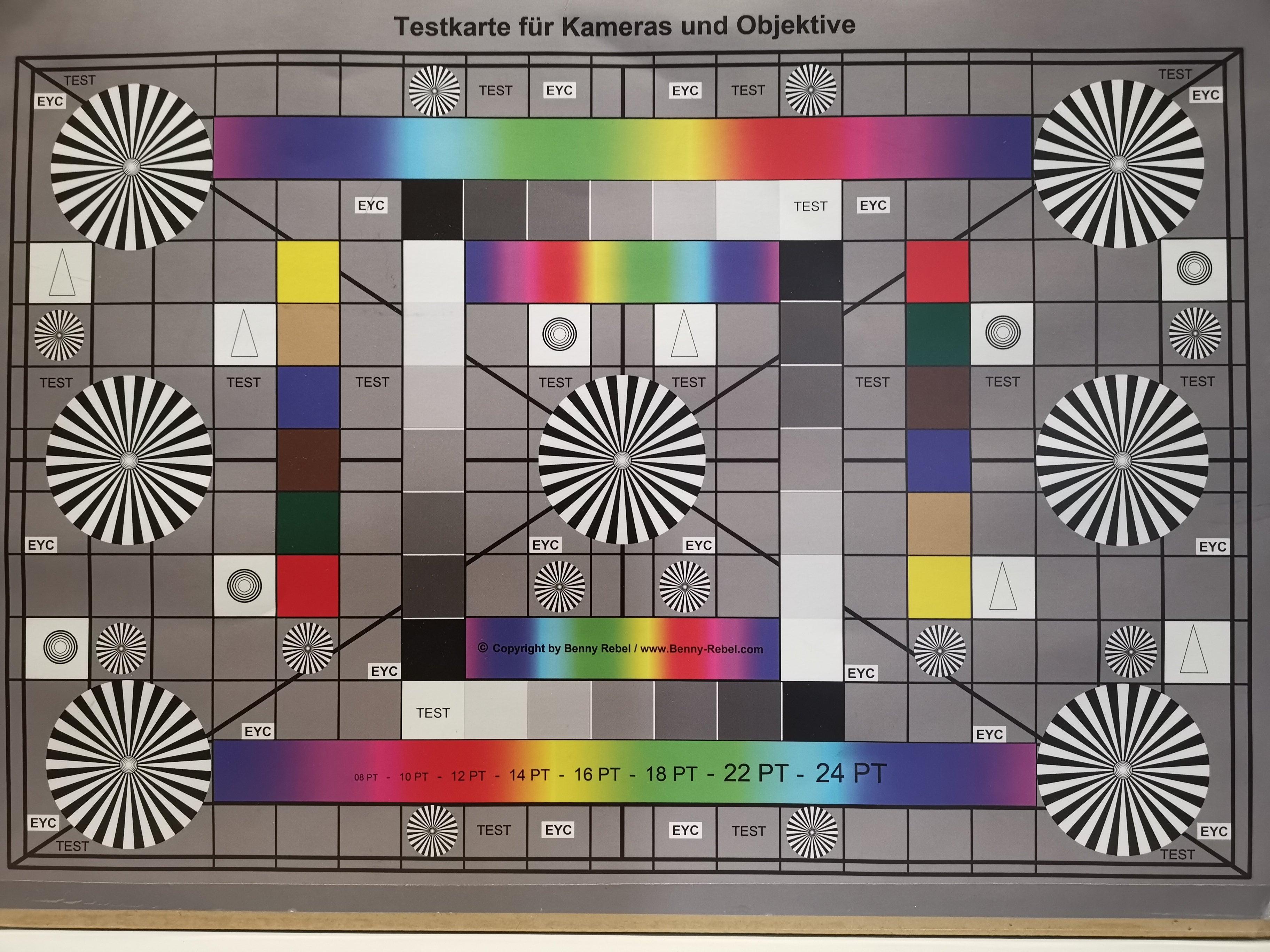 Test-Chart ohne Blitz, aufgenommen mit dem Huawei Mate 20 X