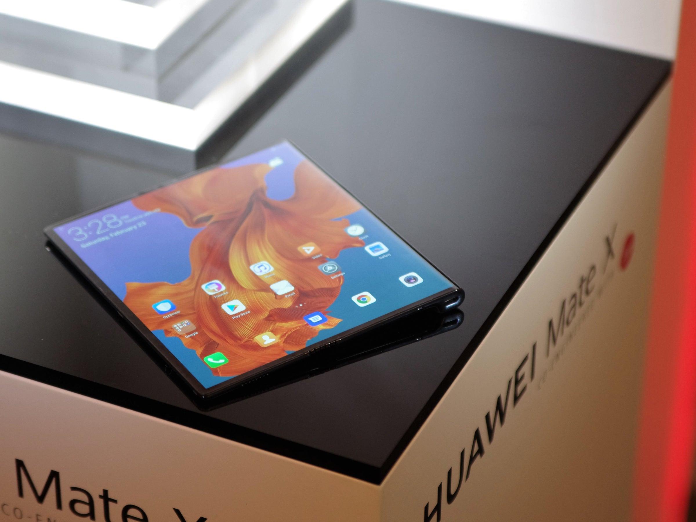 Huawei Mate X: Das Klapp-Smartphone aufgeklappt
