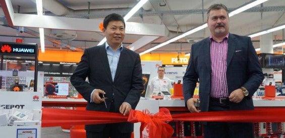 Eröffnung des Huawei-Shops im Kölner Saturn Hansaring