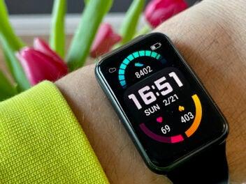 Huawei Watch Fit im Test am Handgelenk
