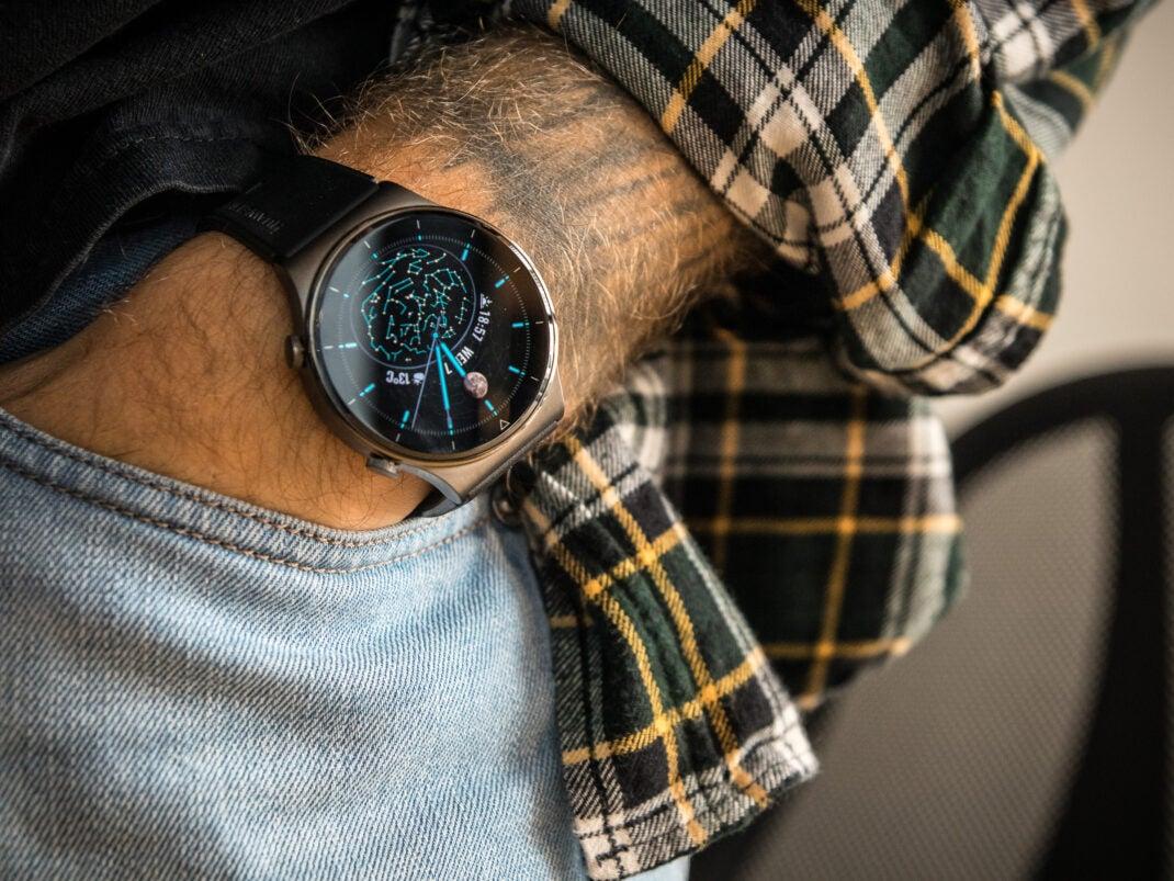 Die Huawei Watch GT 2 Pro passt zu fast jedem Outfit