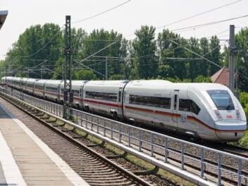 ICE 4 XXL auf der Schiene