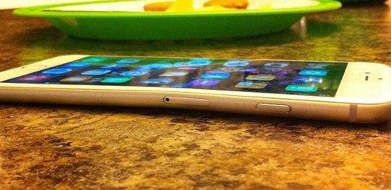 iPhone 6 Plus bentgate gebogen