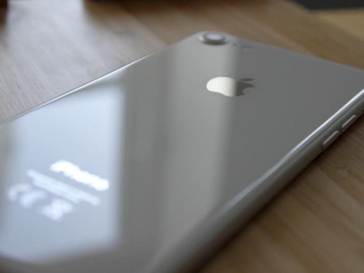 iPhone 8 und Motorola Moto e7i bei Aldi kaufen? Lieber nicht!