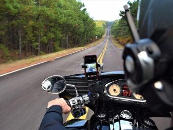 iPhone am Motorradlenker