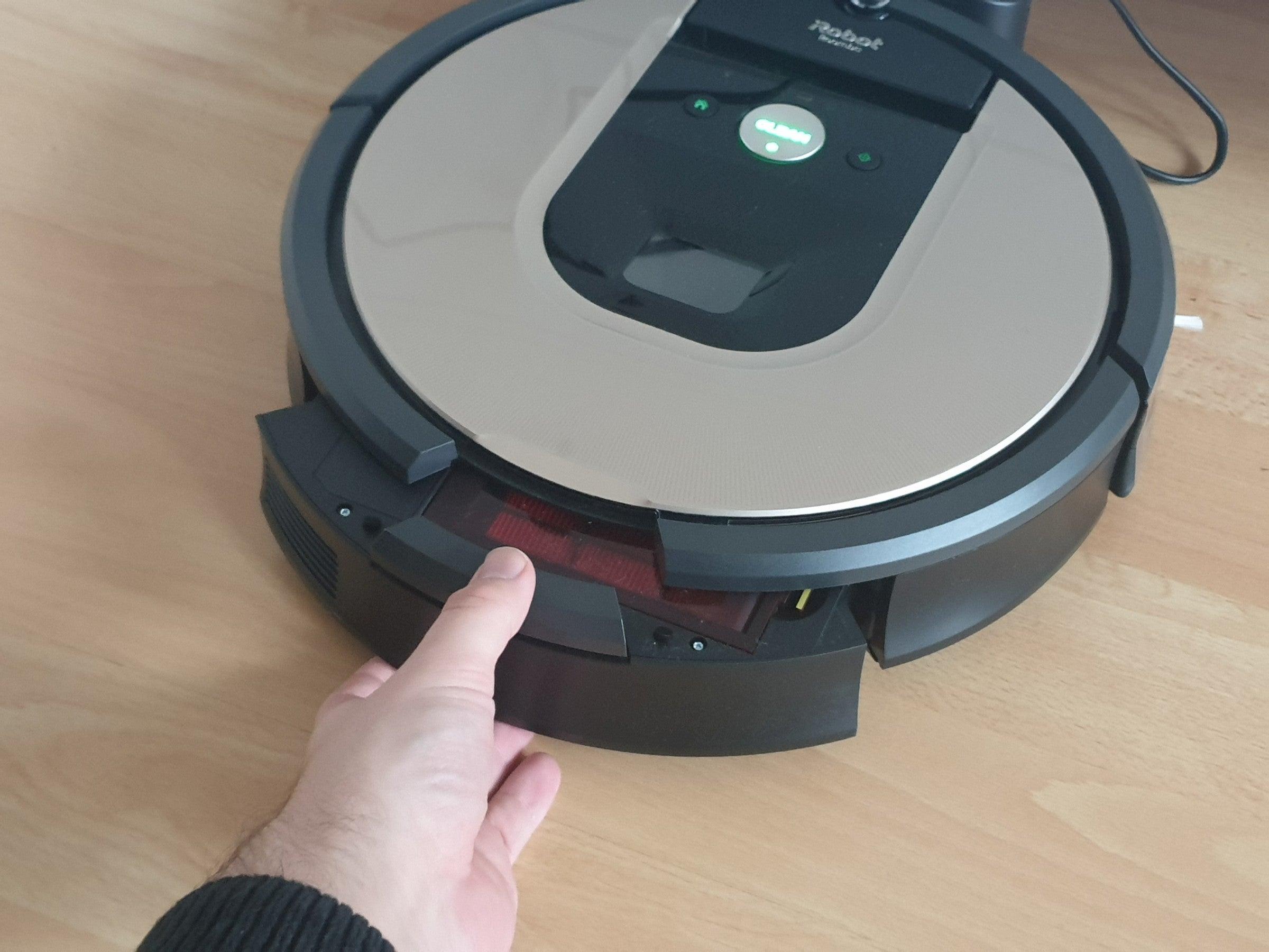 Staubauffangbehälter des Roomba 966 Saugroboters