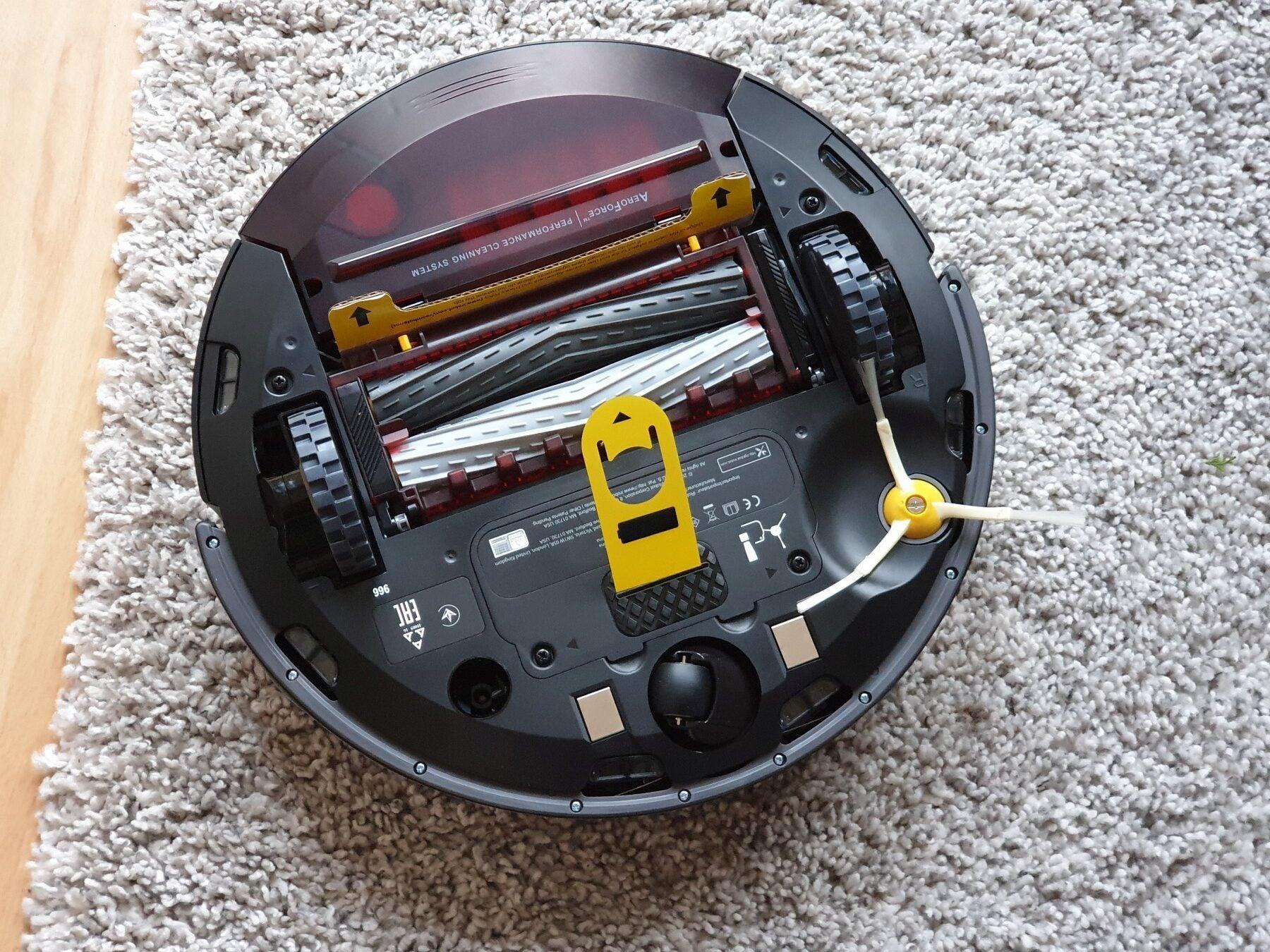 Unterseite des iRobot Roomba 966