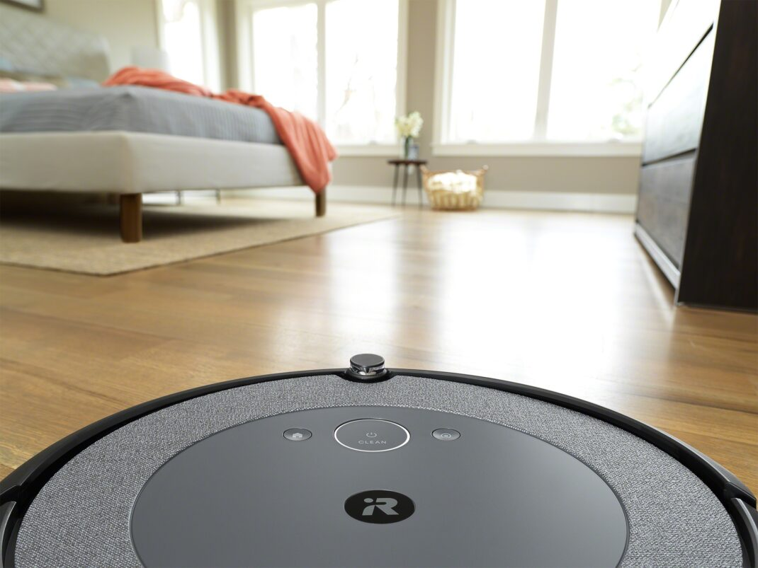 Die matte Oberseite mit gewebter Textur des Roomba i3