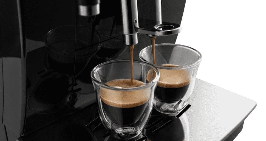 Kaffeeauslauf eines Kaffeevollautomats von DeLonghi
