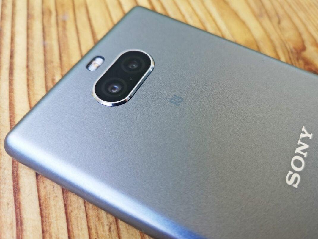 Nahaufnahme der Dual-Kamera des Sony Xperia 10.