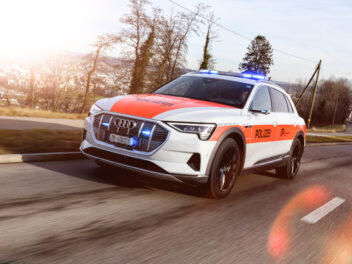 Die Kantonspolizei Zürich testet den Audi e-tron