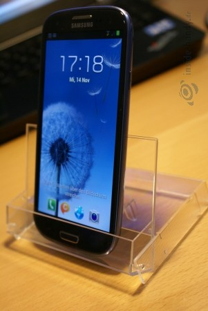 Kassettenhülle aufgestellt mit Galaxy S3