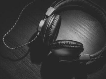 Over-Ear-Kopfhörer mit Schnur