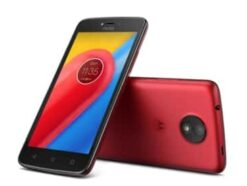Lenovo Moto C (Plus) in Rot
